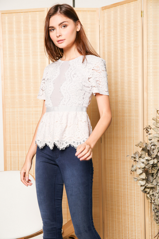 Quentin Scallop Lace Peplum Top in Grey