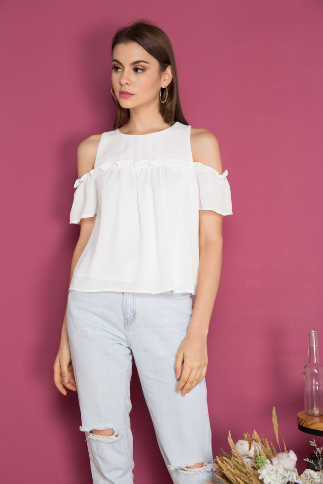 Gio Cold Shoulder Ruffle Top in White (XL)