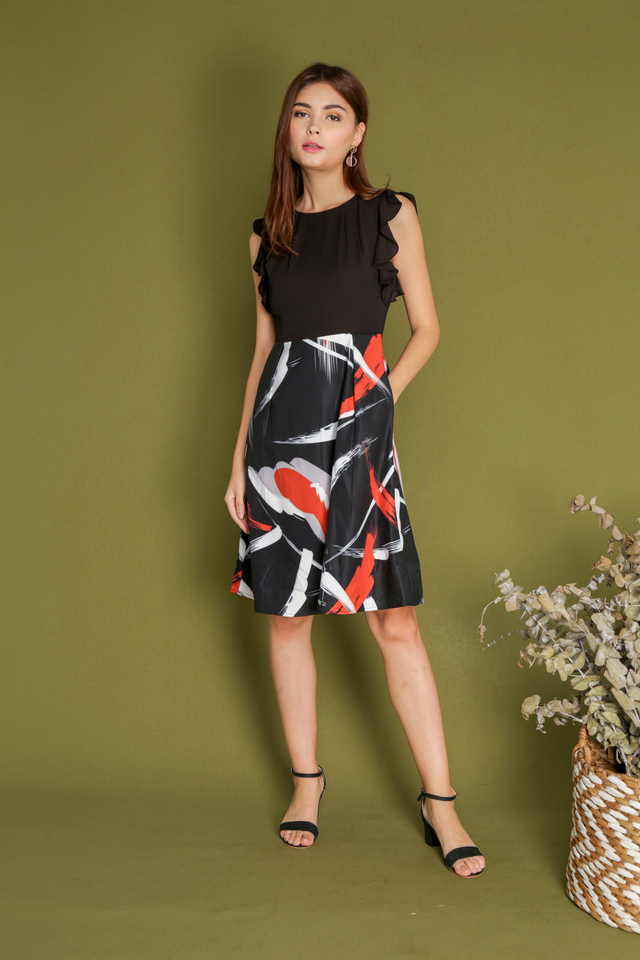 Angelica Ruffle Sleeve Printed Dress in Black (XS)
