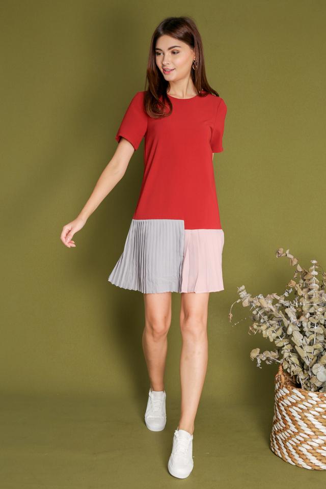 Carlene Colourblock Pleated Hem Dress in Red