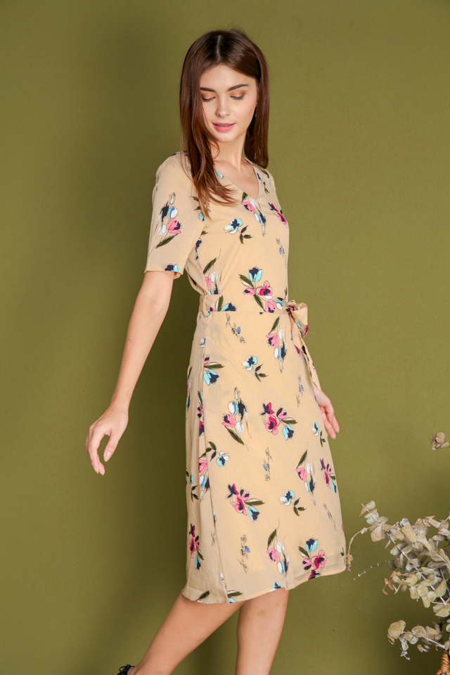 Elois Floral Tie Waist Midi Dress in Apricot