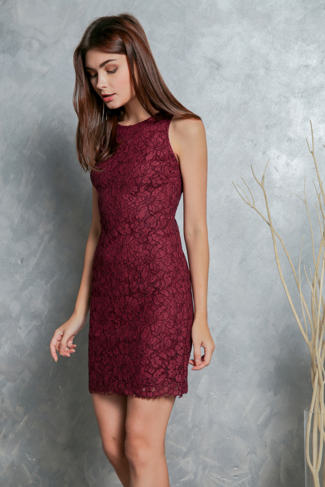 Mavis Floral Lace Dress in Maroon