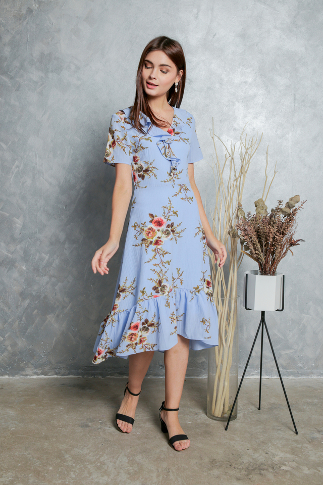 Madeline Printed Ruffled Midi Dress in Blue (XS)