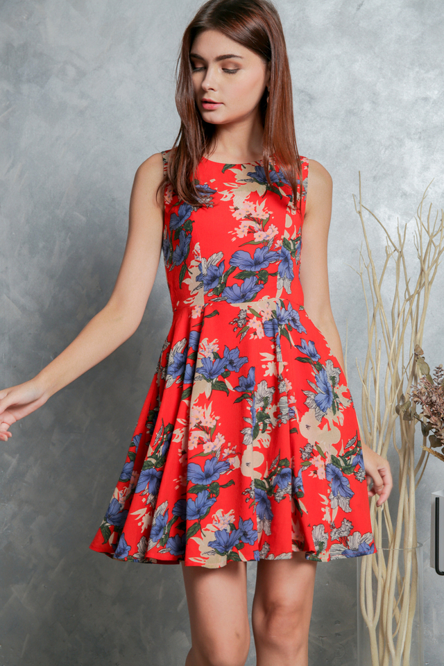 Morgan Floral Flounce Dress in Red