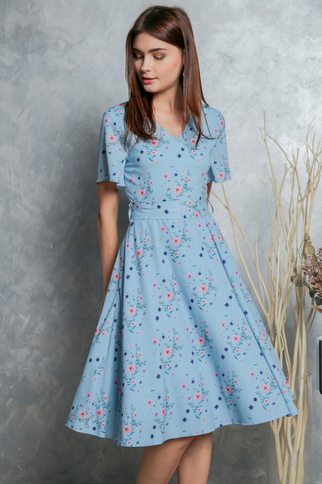 *BACKORDER* Miranda Floral Wrap Midi Dress in Blue