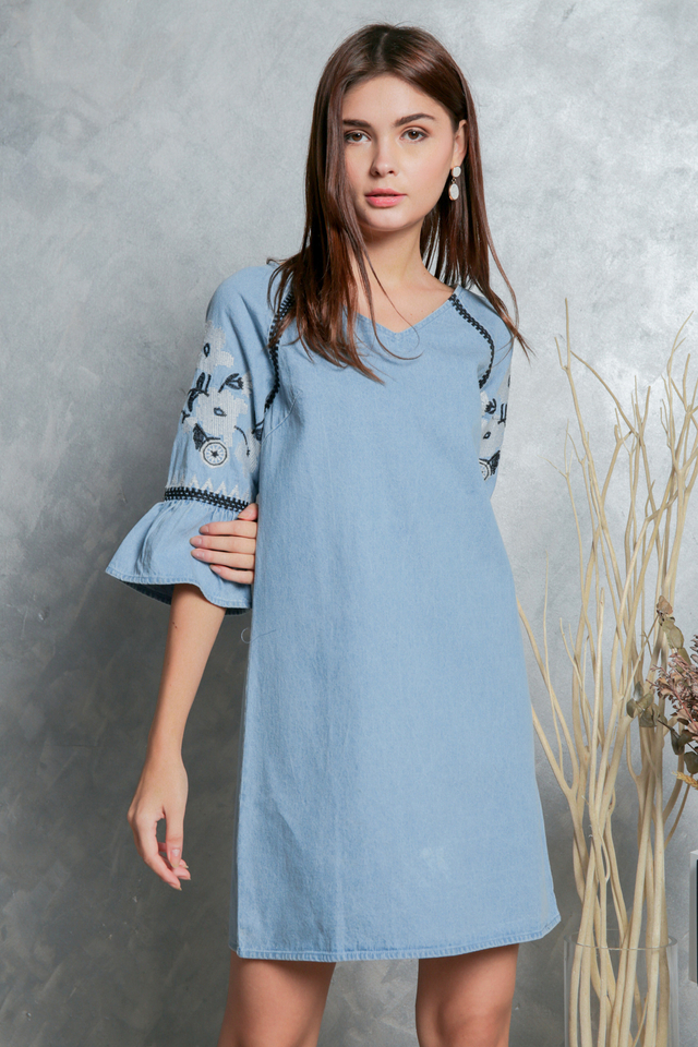 Norine Embroidery Sleeve Denim Dress in Blue
