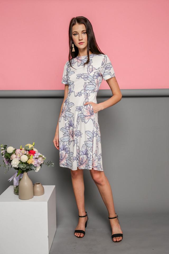 Elodie Floral Midi Dress in White (L)