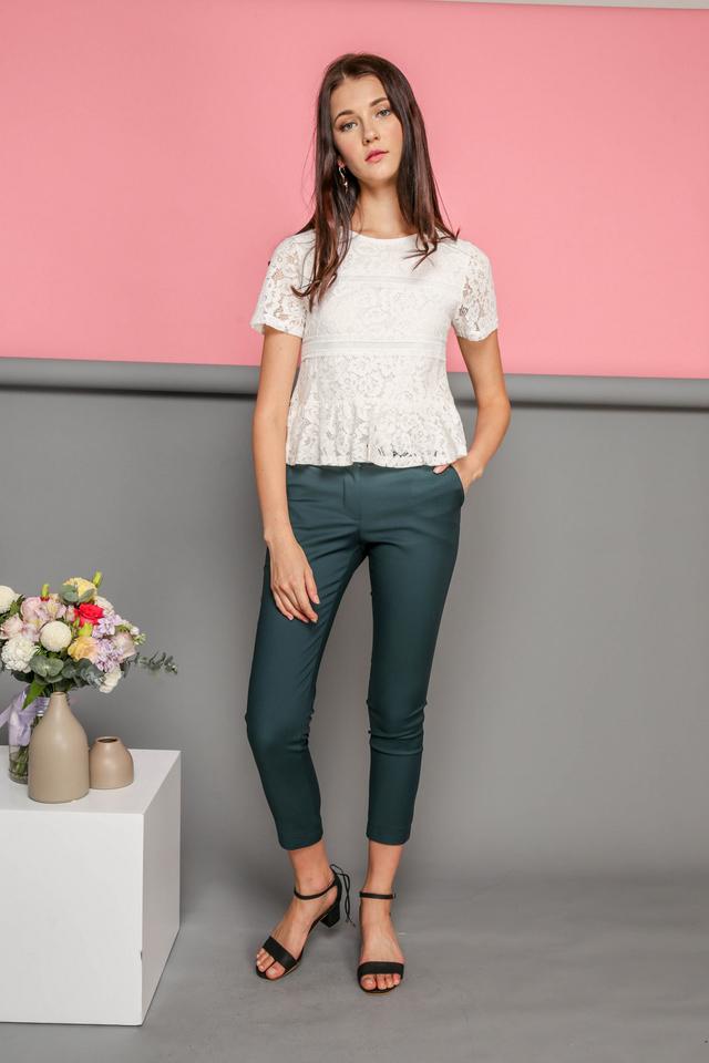 Calla Lace Textured Top in White (L)
