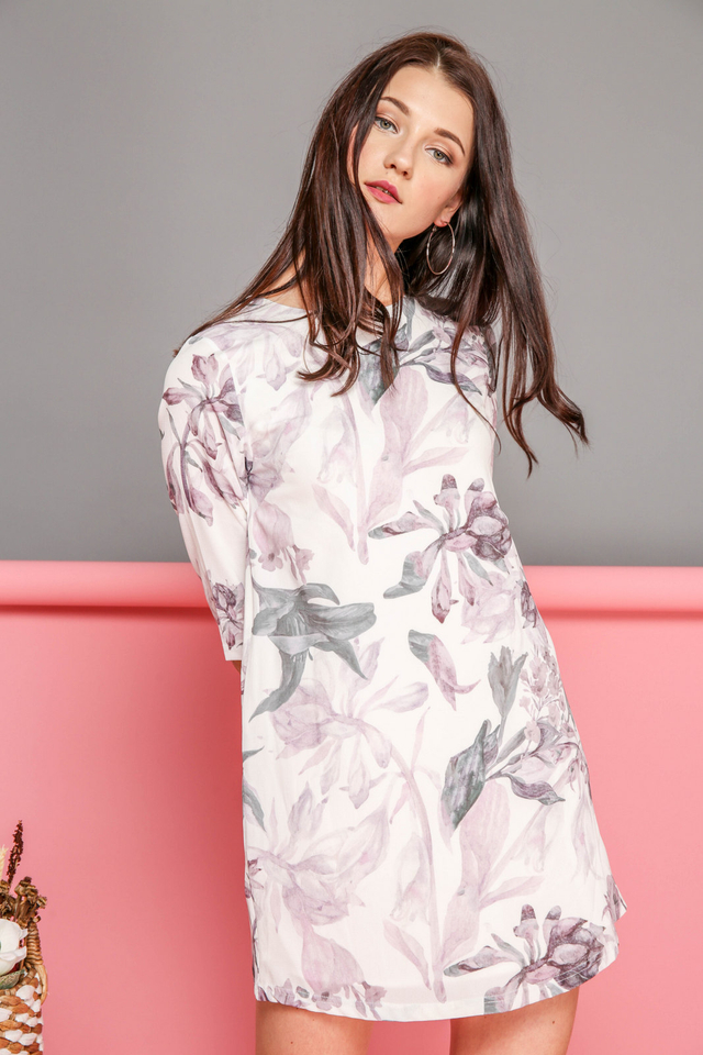 Jess 3/4 Sleeve Shift Dress in Lilac Florals