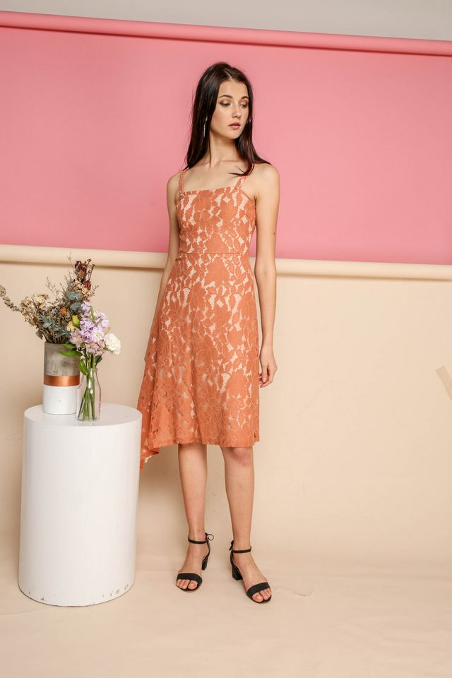 Annalise Lace Midi Dress in Terracotta (M)