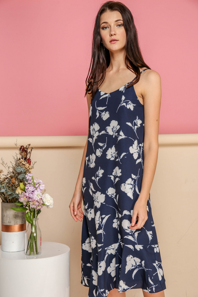 Rayna Printed Midi Slip Dress in Navy (M)