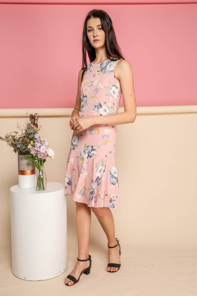 Edith Floral Dropwaist Midi Dress in Pink (XS)