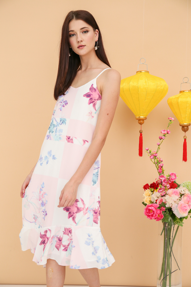 Rayla Printed Slip Dress in Pink (L)