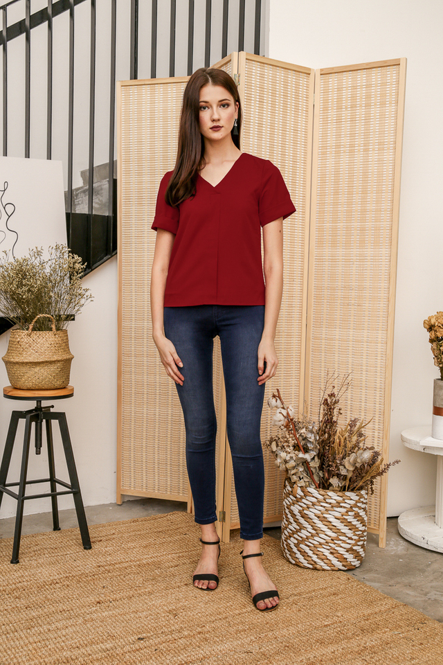 Mel Basic Folded Top in Wine Red