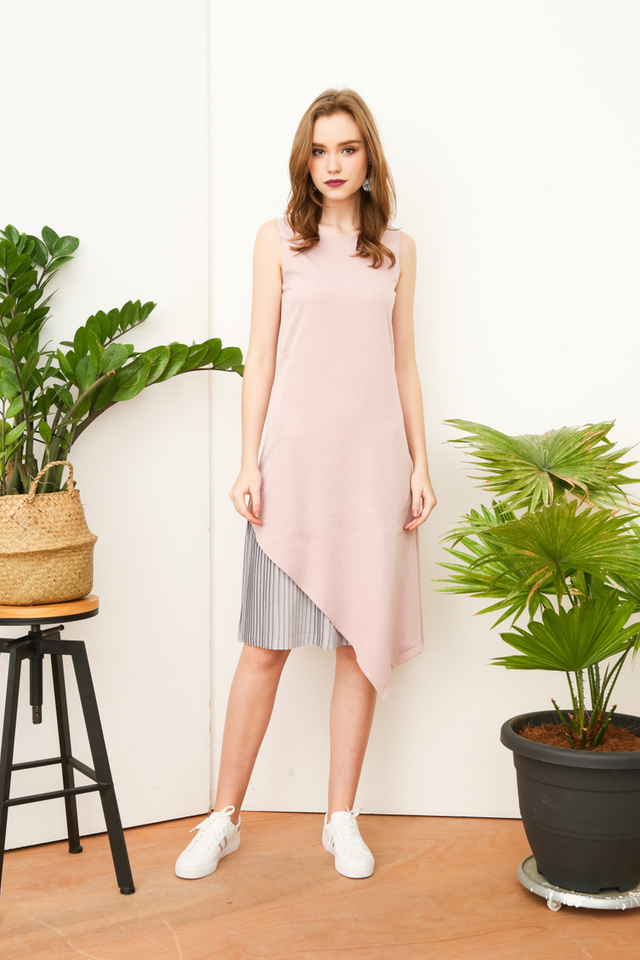 Farren Side Pleats Dropwaist Dress in Dusty Pink