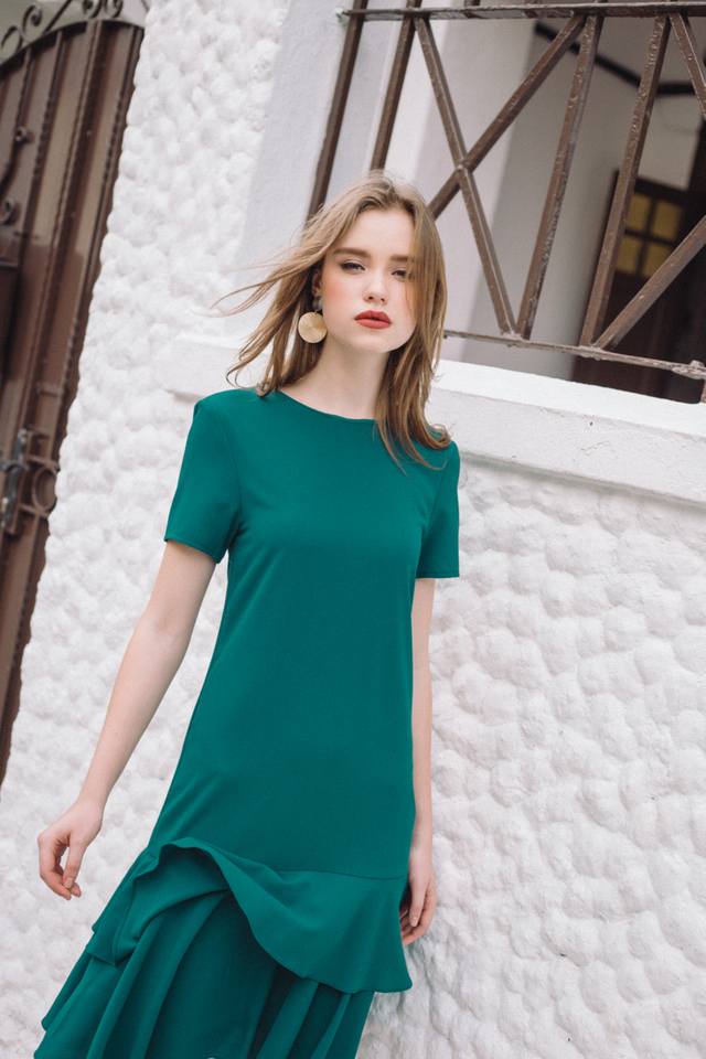 Elouise Double Tiered Hem Dress in Emerald