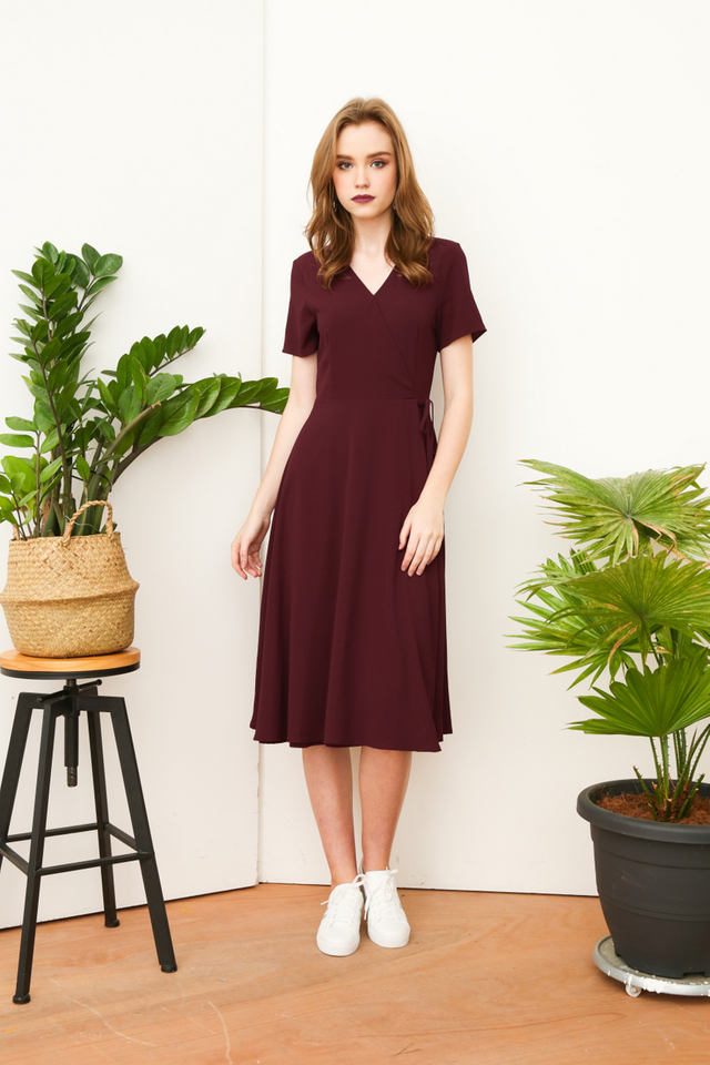 Joslyn Faux Wrap Midi Dress in Burgundy
