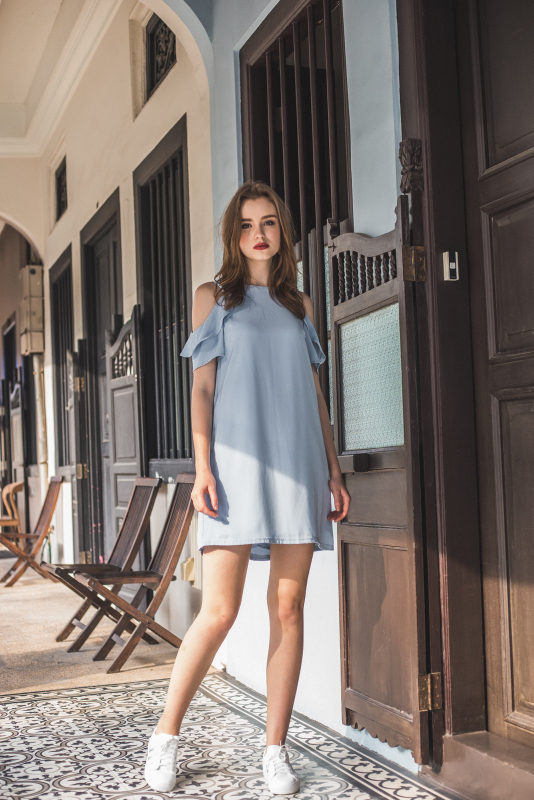 Orielle Ruffled Cold Shoulder Dress in Powder Blue (L)