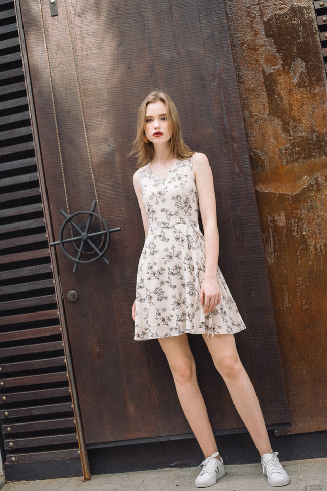 Kairi Floral Tie Waist Dress in Cream