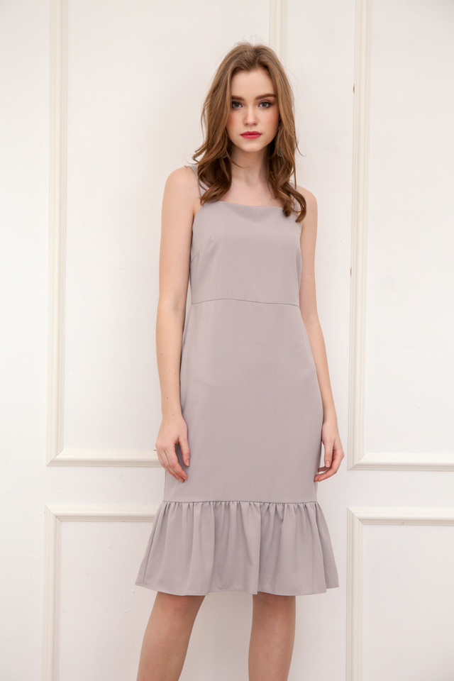 Vann Dropwaist Midi Dress in Grey (L)
