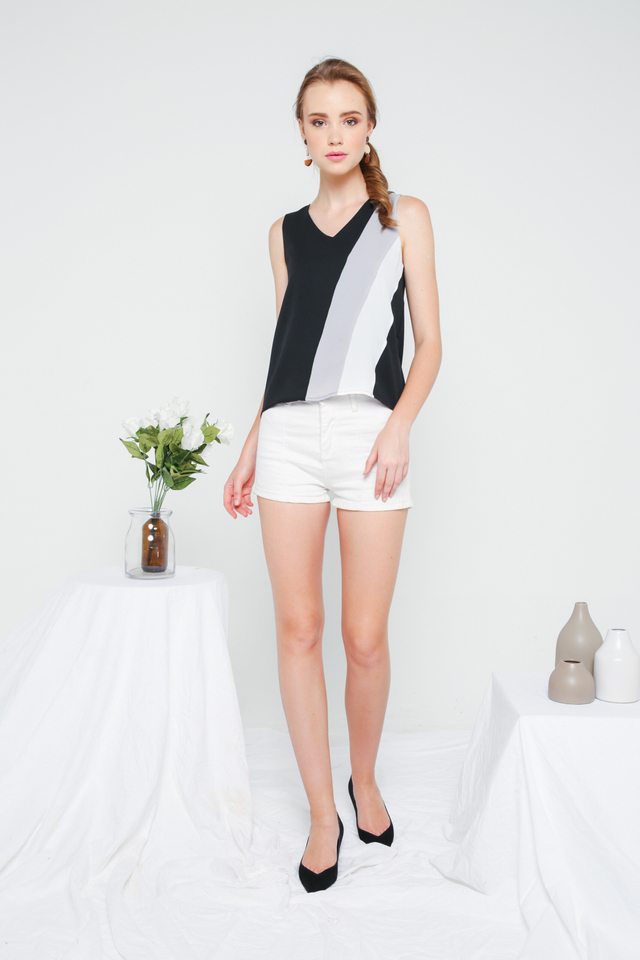 Dana Colourblock Flare Top in Black (M)