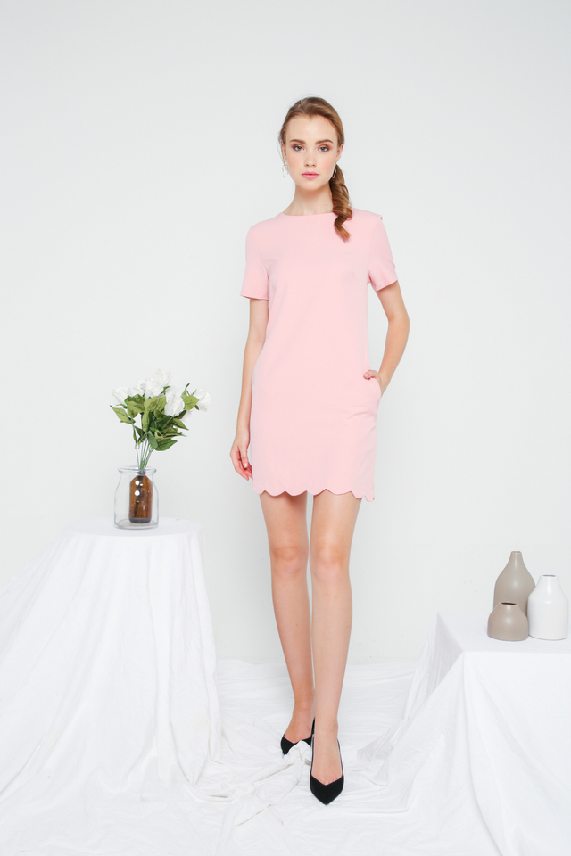 Margo Scallop Hem Shift Dress in Pastel Pink