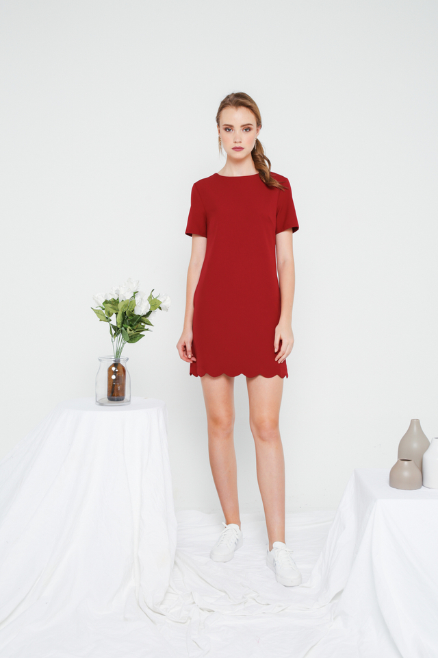 Margo Scallop Hem Shift Dress in Maroon