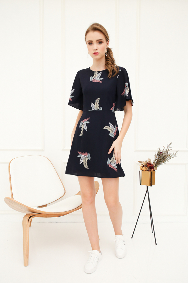 Isle Leaf Butterfly Sleeve Dress in Midnight Blue (XS)