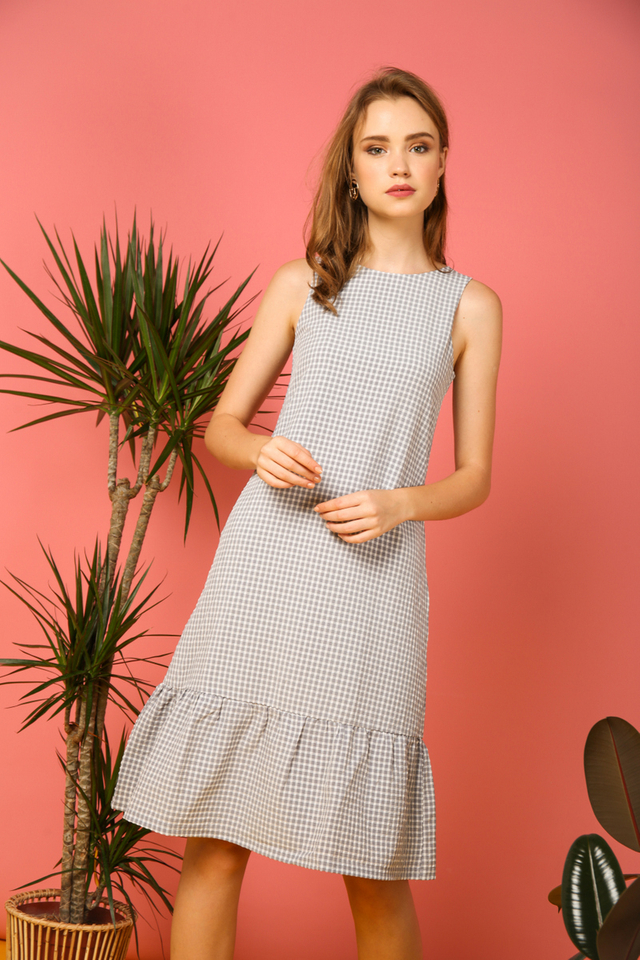 Tilly Gingham Ruffles Dress in Grey (M)