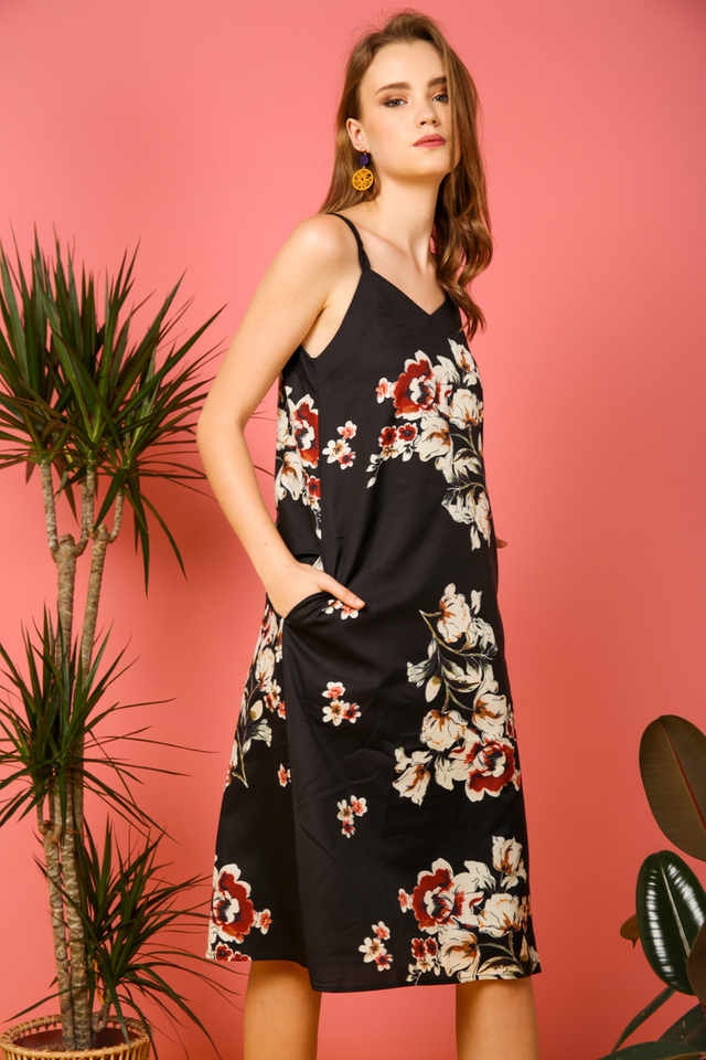 Roselen Floral Trapeze Dress in Black
