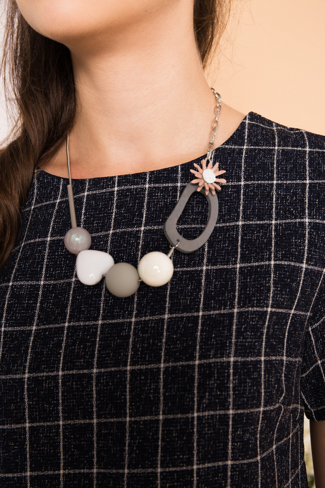 Noa Heart Necklace in Grey