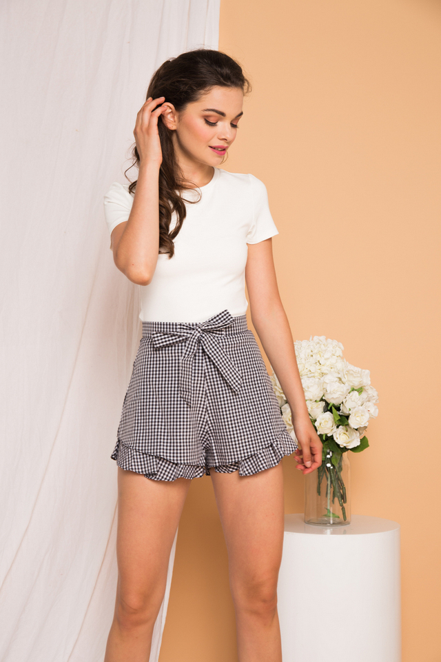 Lovanna Gingham Ruffled Shorts in Black
