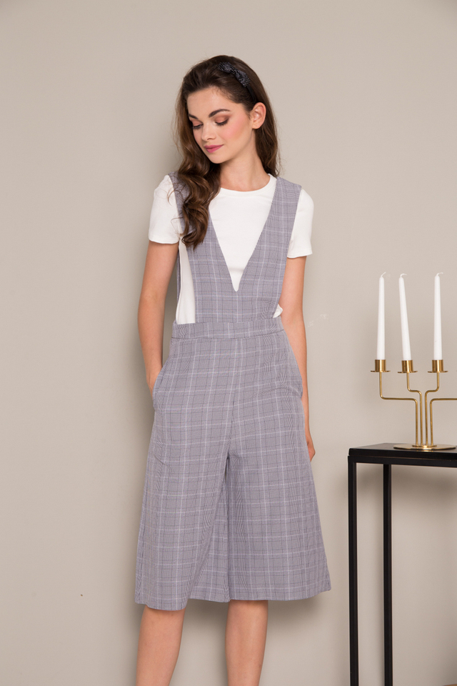 Aiven Plaid Pinafore Jumpsuit in Grey (S)