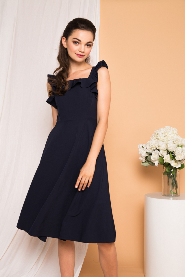Austen Ruffled Midi Dress in Navy (L)