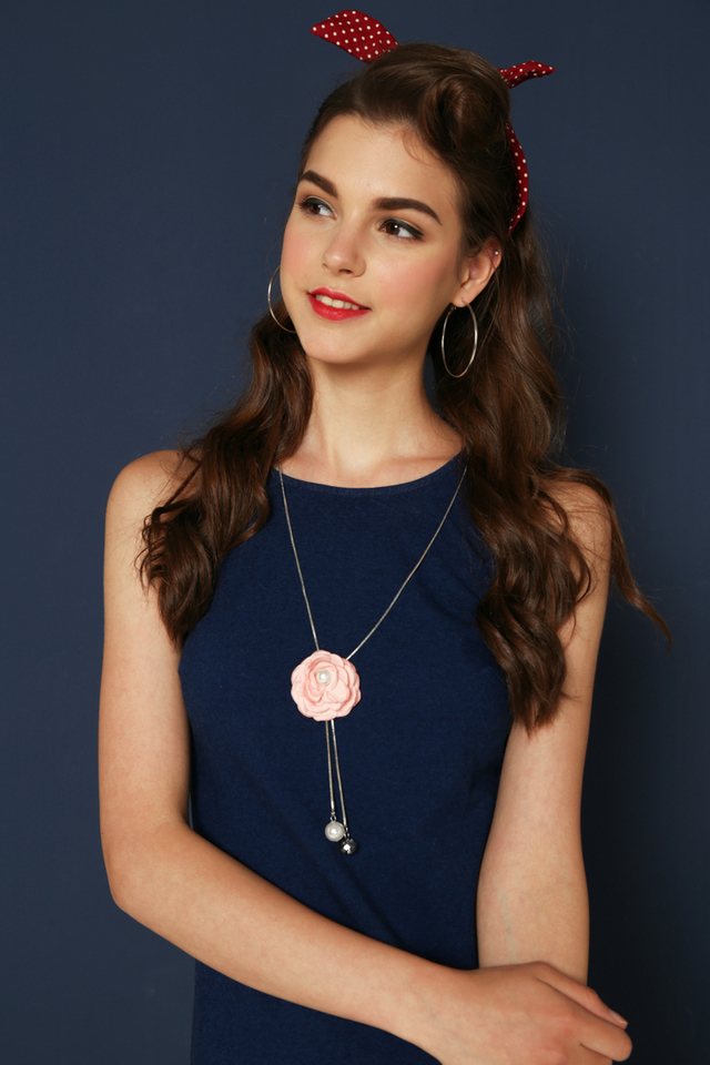 Tinely Rose Necklace