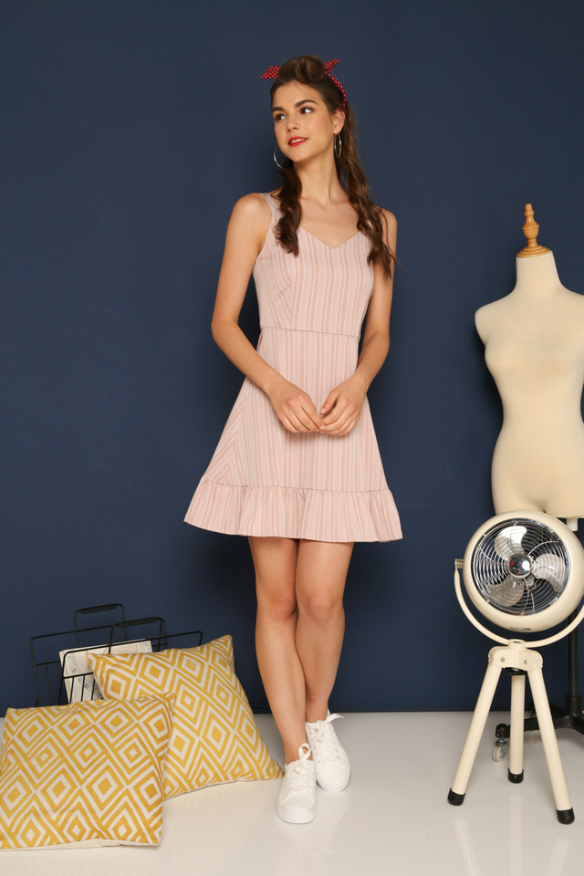Arlia Ruffled Hem Dress in Dusty Pink