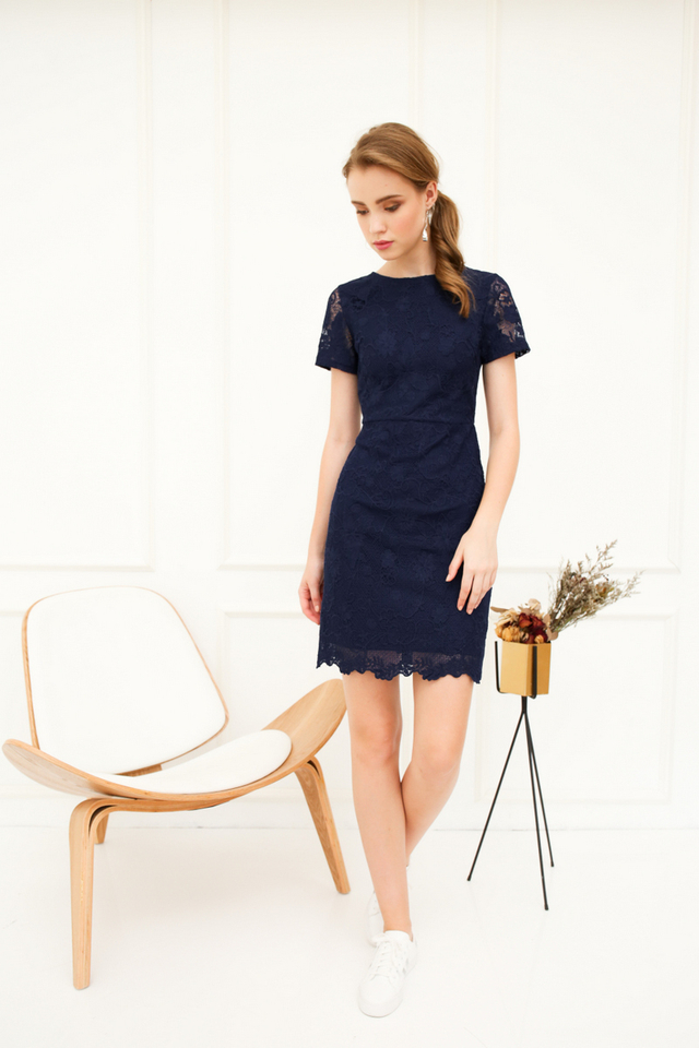 Cecily Floral Crochet Sheath Dress in Navy (L)