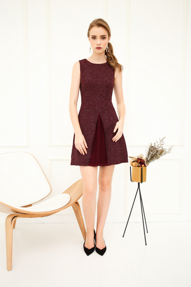 Bert Double Pocket Tweed Dress in Maroon