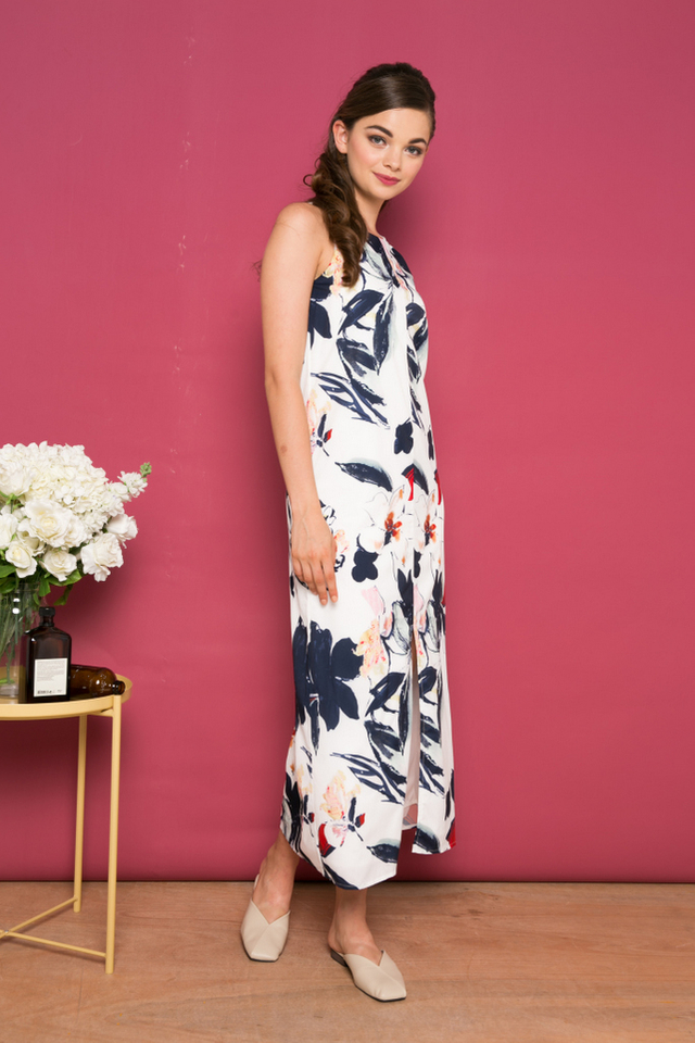 Adalynn Floral Slit Maxi Dress in White (XL)