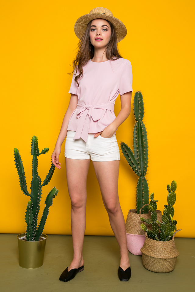 Ottoline Tie Front Top in Dusty Pink