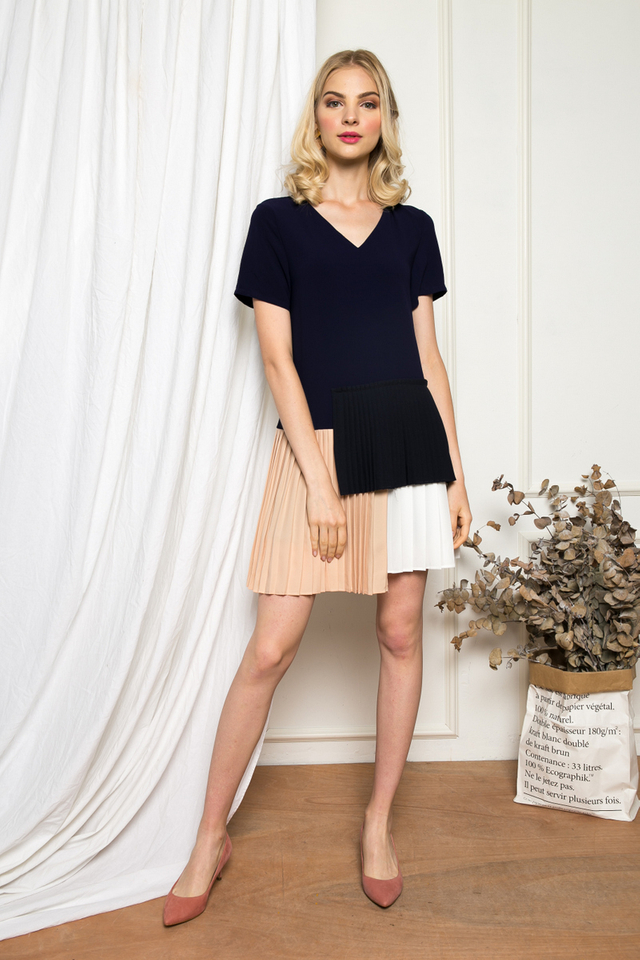 Altin Colourblock Pleated Dress in Navy