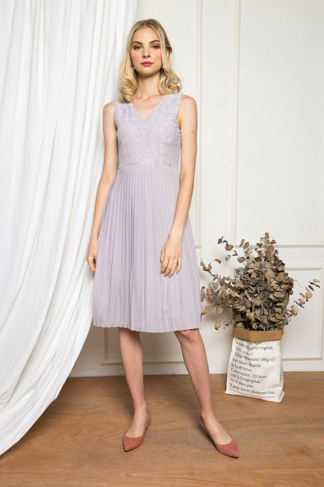 Carianna Lace Pleated Midi Dress in Lilac Grey (XS)