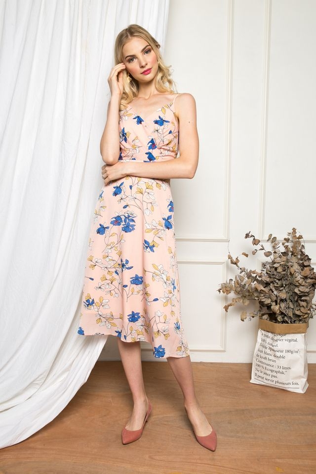 Nesryn Floral Midi Dress in Peach Pink (L)