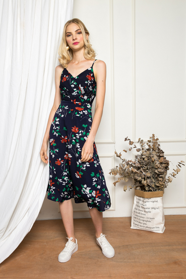 Nesryn Floral Midi Dress in Navy