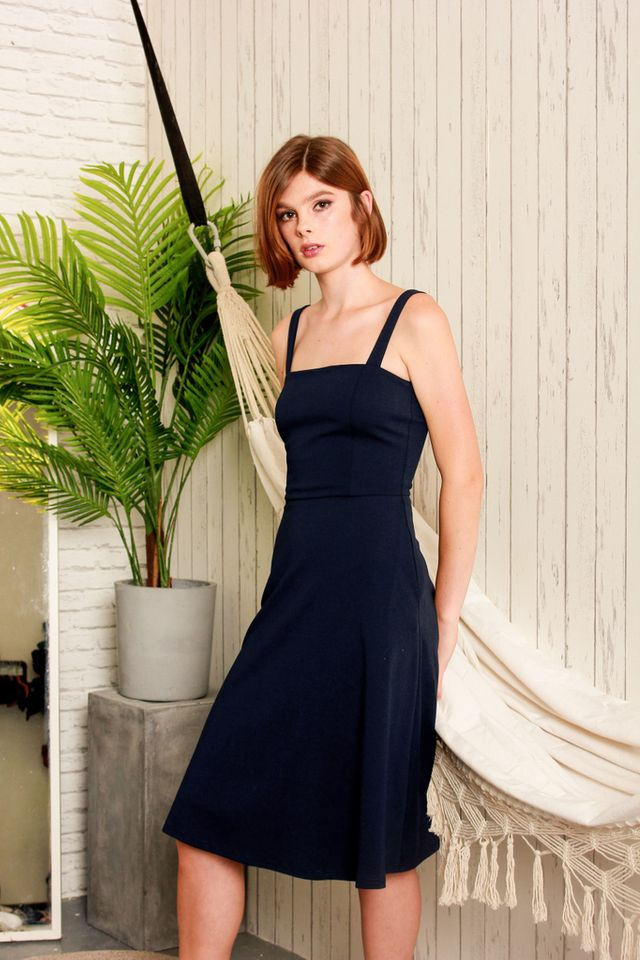 Zeta Basic Midi Dress in Navy (XS)