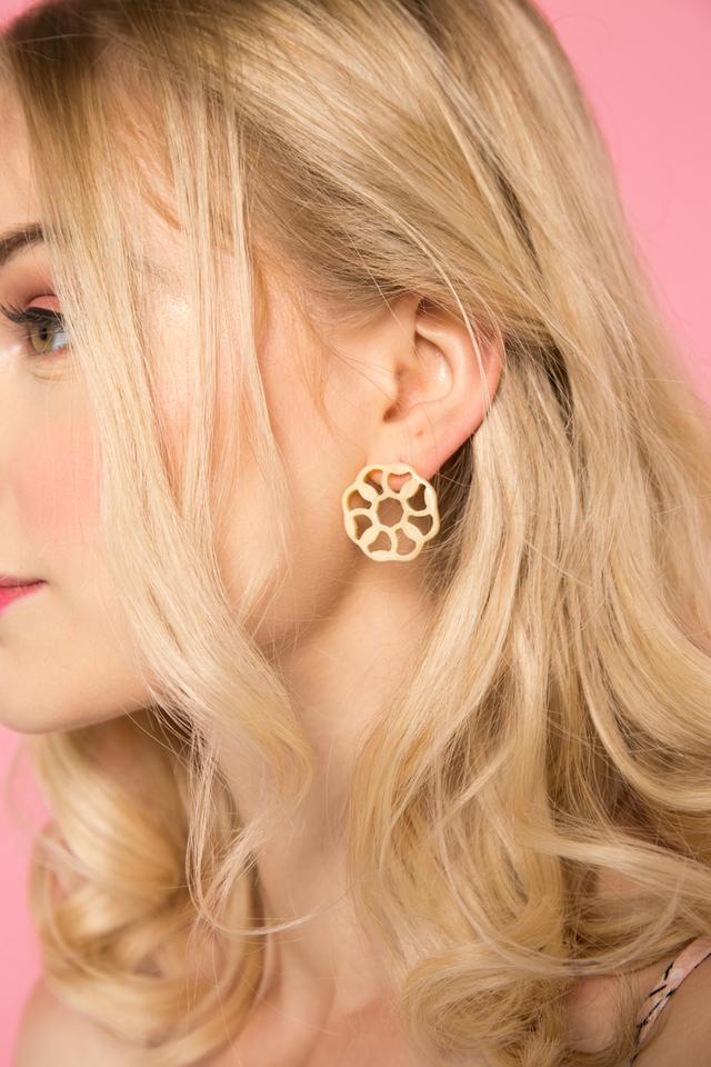 Zelia Earrings in Cream