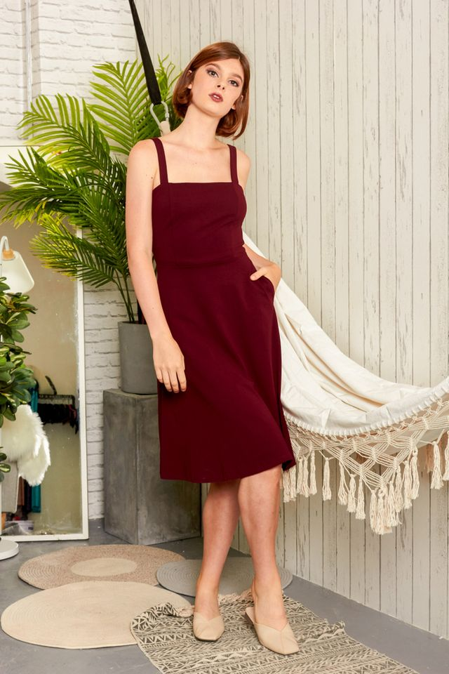 Zeta Basic Midi Dress in Wine Red (XS)