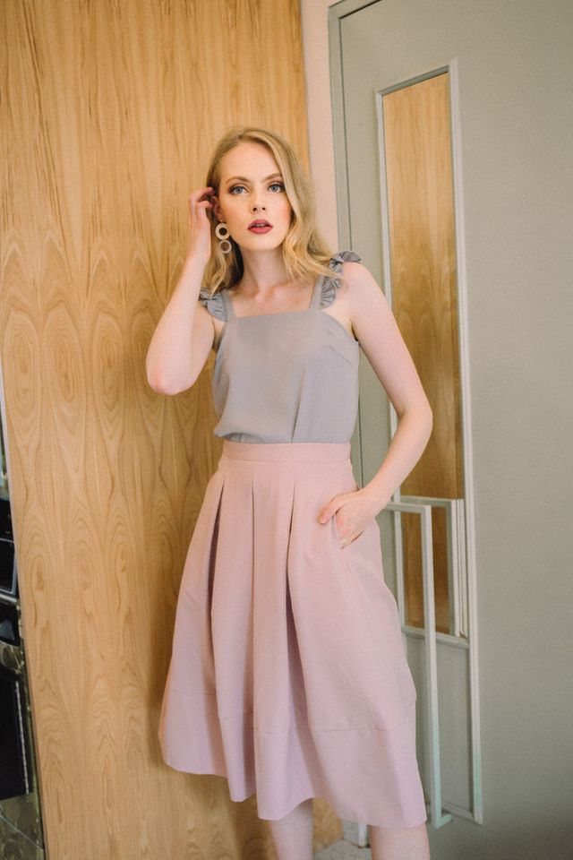 Averil Soft Pleated Midi Skirt in Dusty Pink