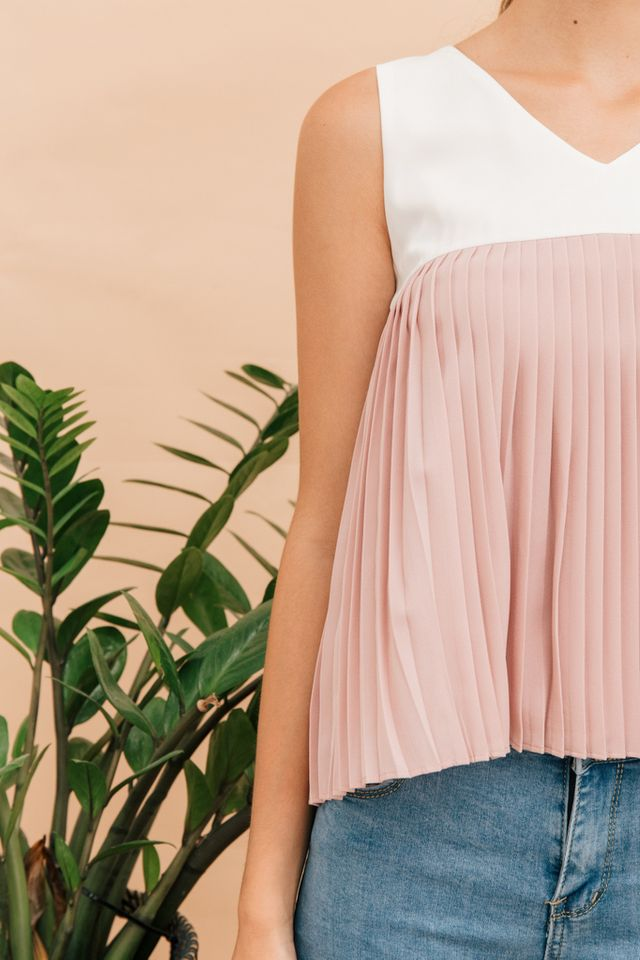 Keverene Colourblock Pleated Top in Dusty Pink