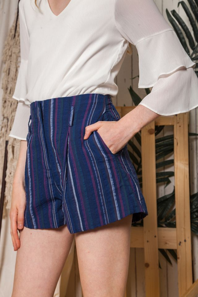 Kasen Striped Linen Shorts in Navy (L)